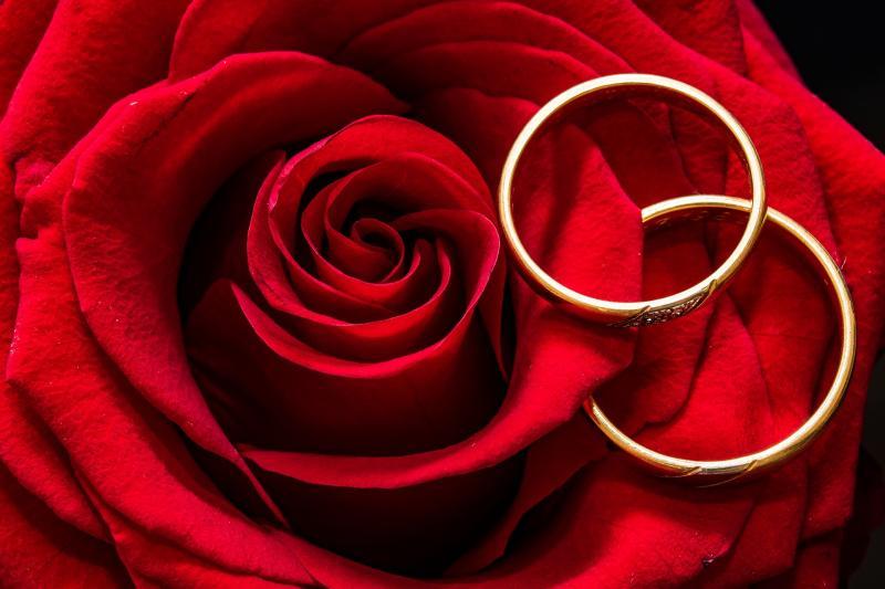 Es müssen nicht immer Trauringe sein – Alternative Ideen für Eheringe