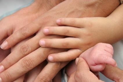 Wenn das zweite Kind kommt: so bereiten Sie das Erstgeborene auf das Geschwisterchen vor