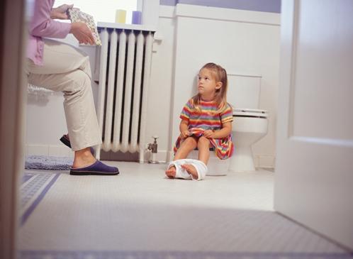Wie gefährlich sind Madenwürmer bei Kindern und wie kann man sie behandeln?