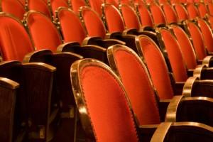 Der Artikel berichtet von kleinkindgerechten Theaterstücken.