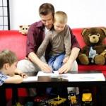 Artikelgebend ist die Entscheidung zwischen Kinderbetreuung und Karriere.