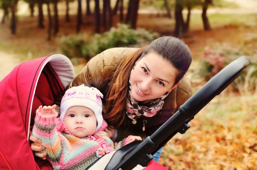 Mit Bedacht das Babybett und den Kinderwagen auswählen