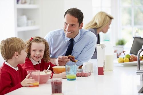 Zusammenhalt in der Familie stärken durch Rituale