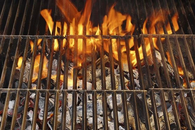 Grillen: So treiben Sie die Kohle zur Weißglut!