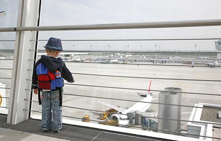 Fliegen mit Kindern – So wird's weniger anstrengend
