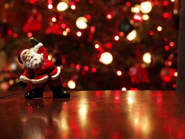 Festlich-frische Playlist: Aktuelle Weihnachtssongs für die ganze Familie
