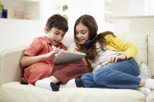 Jugend und Internet – So bewegen sich Kinder gefahrlos durchs Netz
