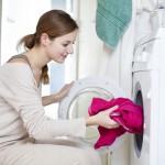 Der Wäscheberg wächst, weil die Waschmaschine streikt: DIY-Tipp