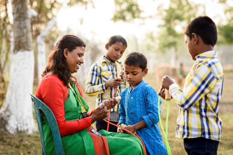 """""""Stück zum Glück"""" unterstützt Straßenkinder in Bangladesch"""