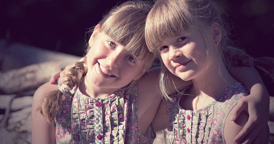 Geschwisterliebe – eine lebenslange Beziehung, ob wir wollen oder nicht