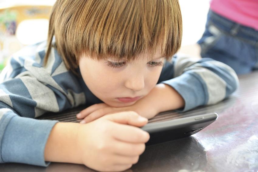 Übermäßiger Medienkonsum gefährdet Kinder